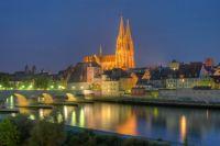 Regensburg, Einkaufen, Shopping, Patrizierburg, Steinerne Brücke, Donau, Bayern